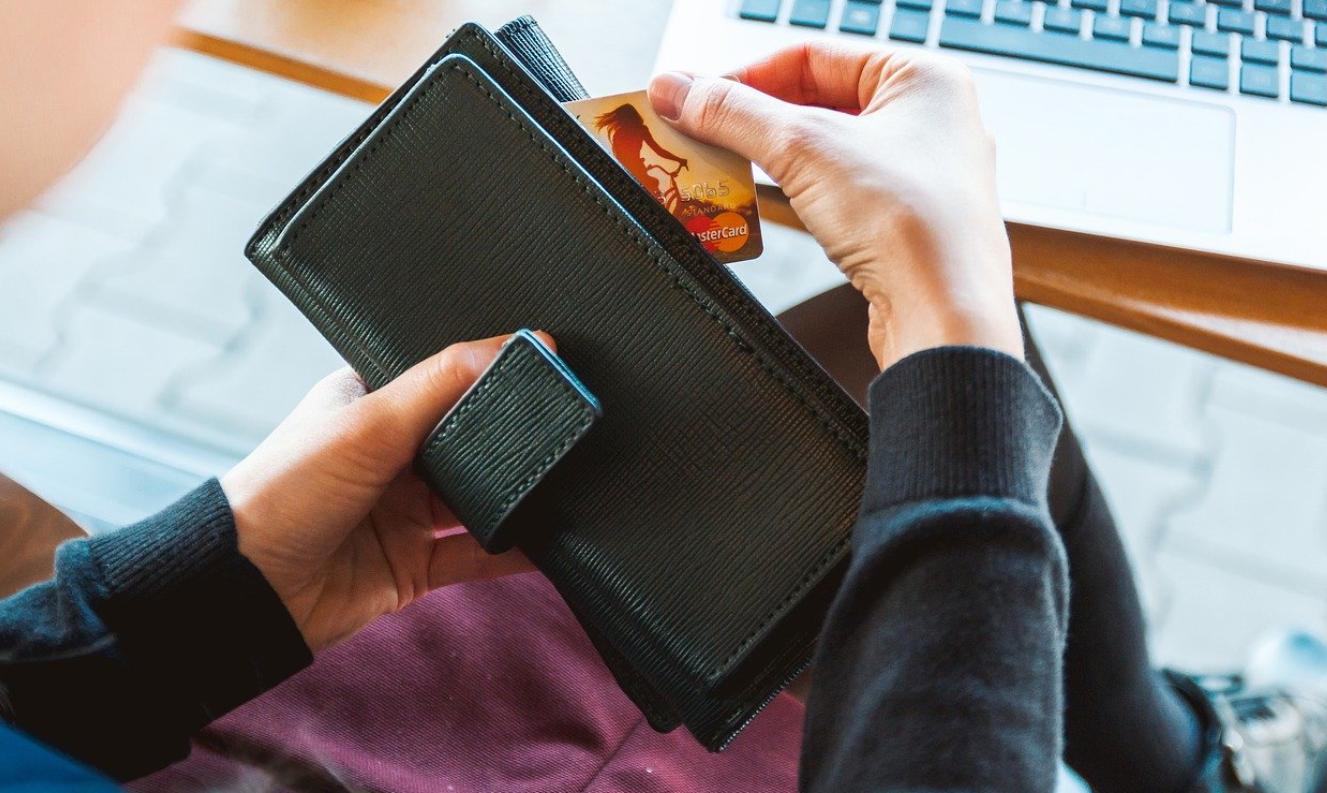 menikmati kartu kredit sesuai fungsinya