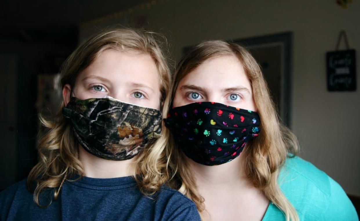 menggunakan masker kain yang benar